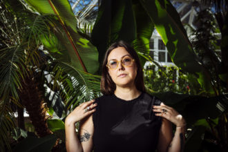 """""""Best Thing"""" by New Zealand singer/songwriter Nadia Reid is Northern Transmissions' 'Song of the Day'"""