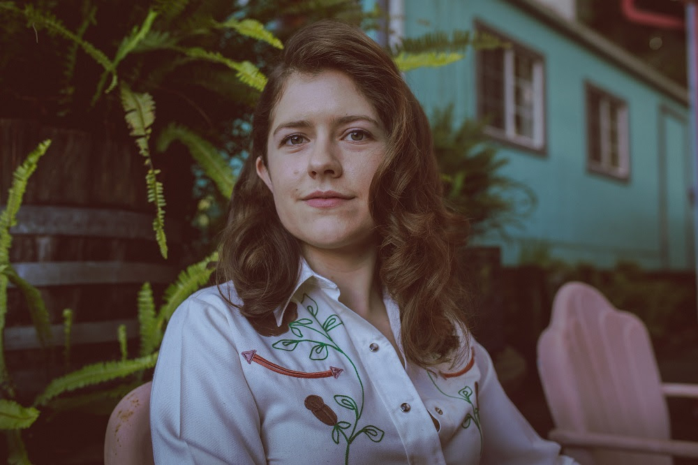 """Ismay debuts new single """"The Stones"""""""