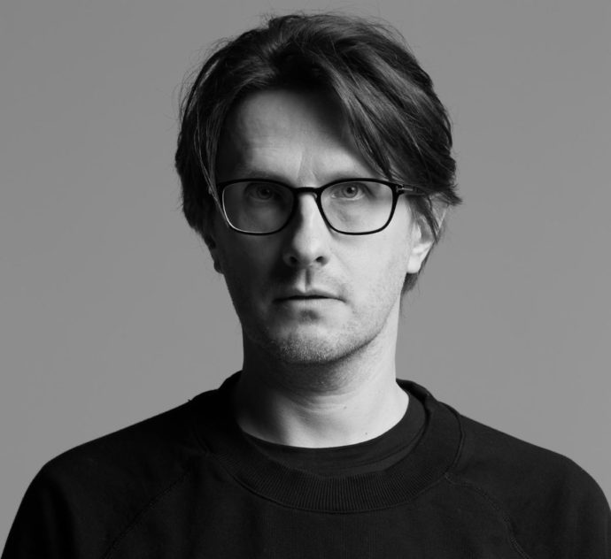 "Steven Wilson has released his new single ""Personal Shopper"""