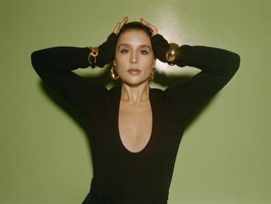 "Jessie Ware Debuts new single and video for ""Ooh La La"""