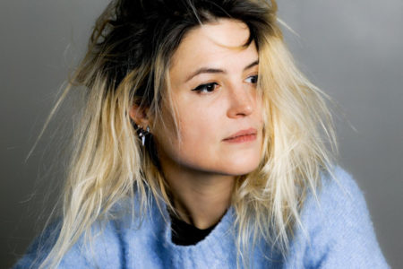 "Alison Mosshart (The Kills,The Dead Weather) debuts new single/video ""Rise"""
