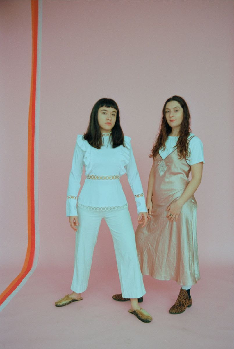 "Ohmme have shared a new single, ""Selling Candy"""