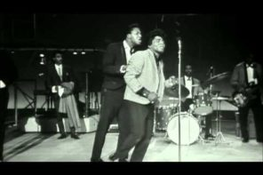 """Please Please Please"" James Brown (Live)"