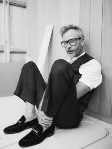 "Matt Berninger shares new single ""Distant Axis"""