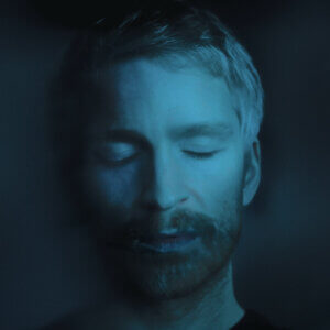 "Ólafur Arnalds shares video for ""The Bottom Line"" featuring Josin"
