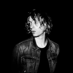 "Daniel Avery Announces New Single ""Into The Arms Of Stillness"" With Two New Tracks, available now via Mute Records"