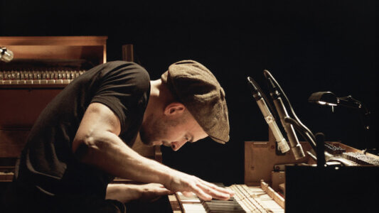 "Nils Frahm shares ""Fundamental Values,"""