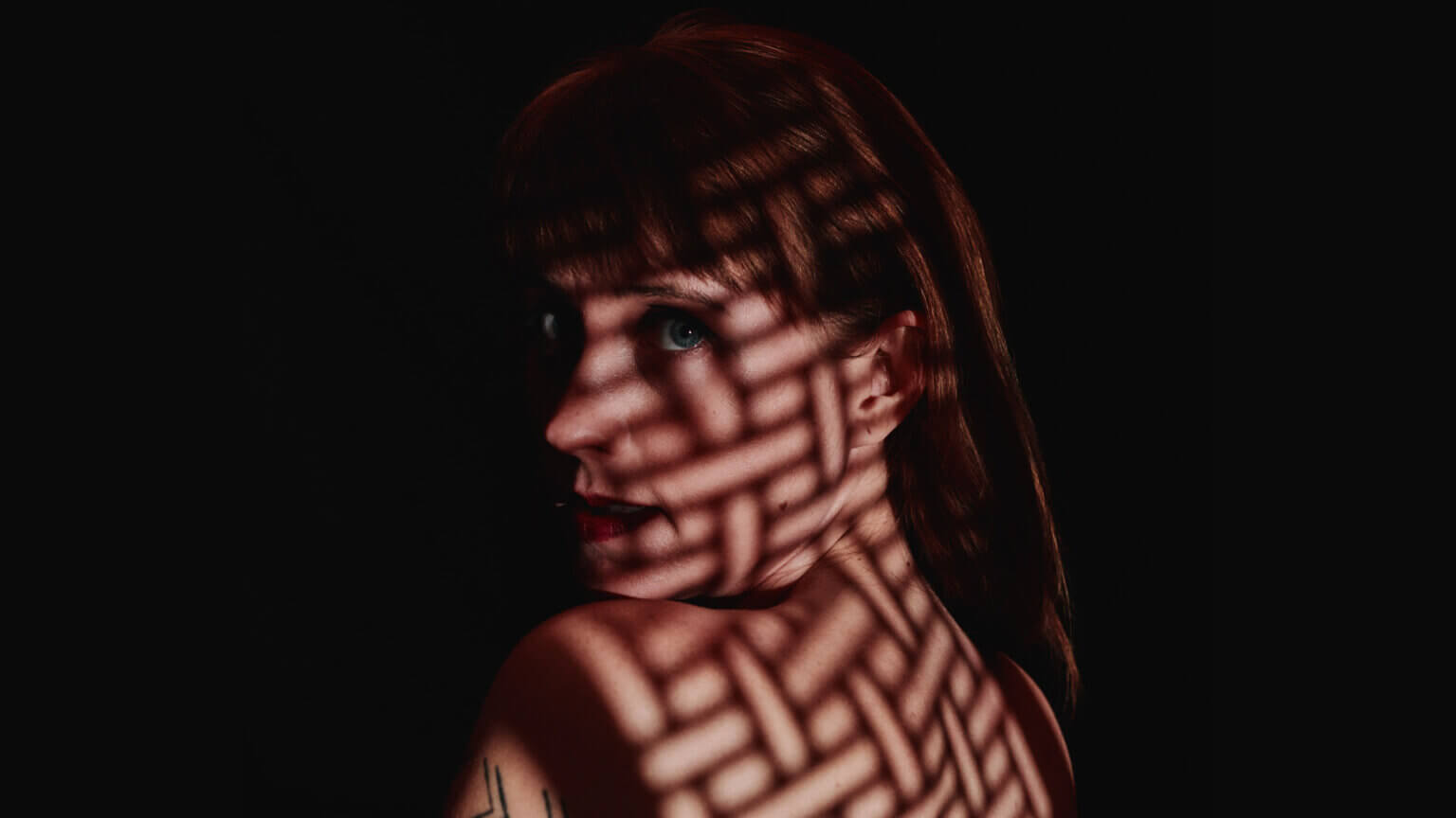 """Flock of Dimes, the project of Wye Oak's Jenn Wasner has shared """"Price of Blue"""" the second single off her forthcoming release Head of Roses"""