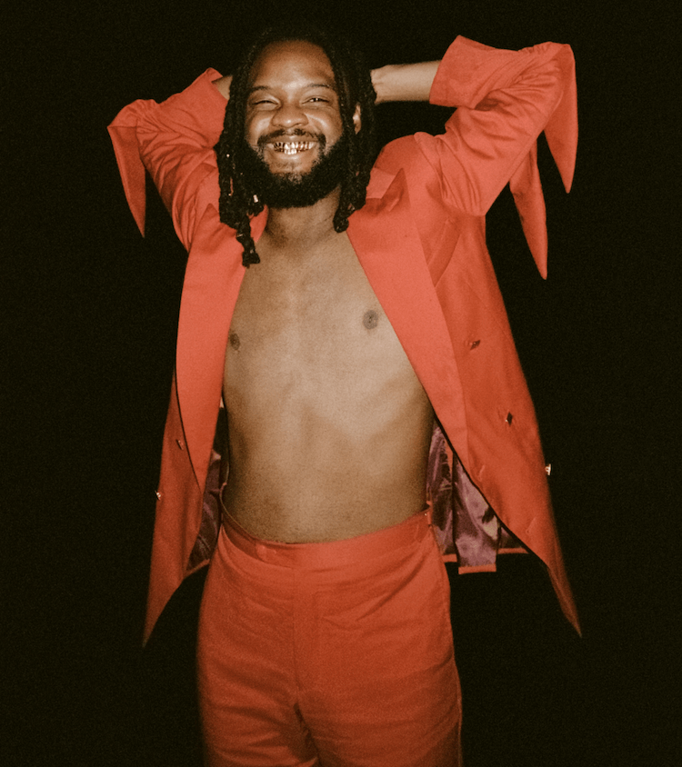 """Genesis Owusu Shares new video for """"Gold Chains."""" The track is off the Australian artist's forthcoming release Smiling With No Teeth"""