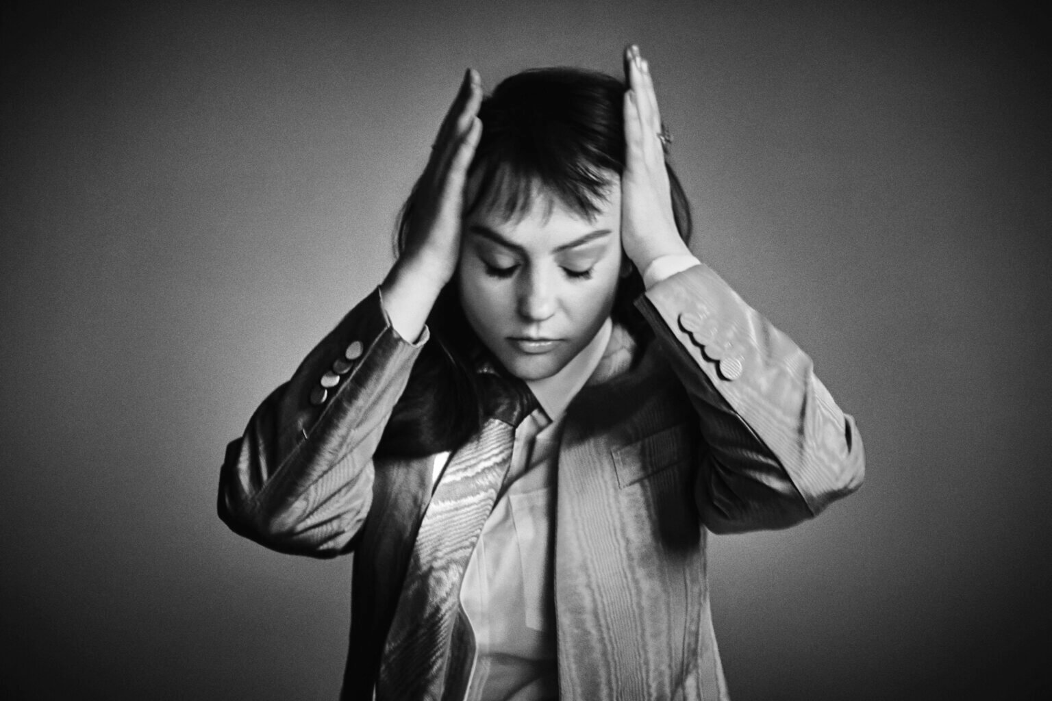 """Angel Olsen, has shared """"Alive and Dying (Waving, Smiling)."""" off her upcoming box set Song of the Lark and Other Far Memories"""