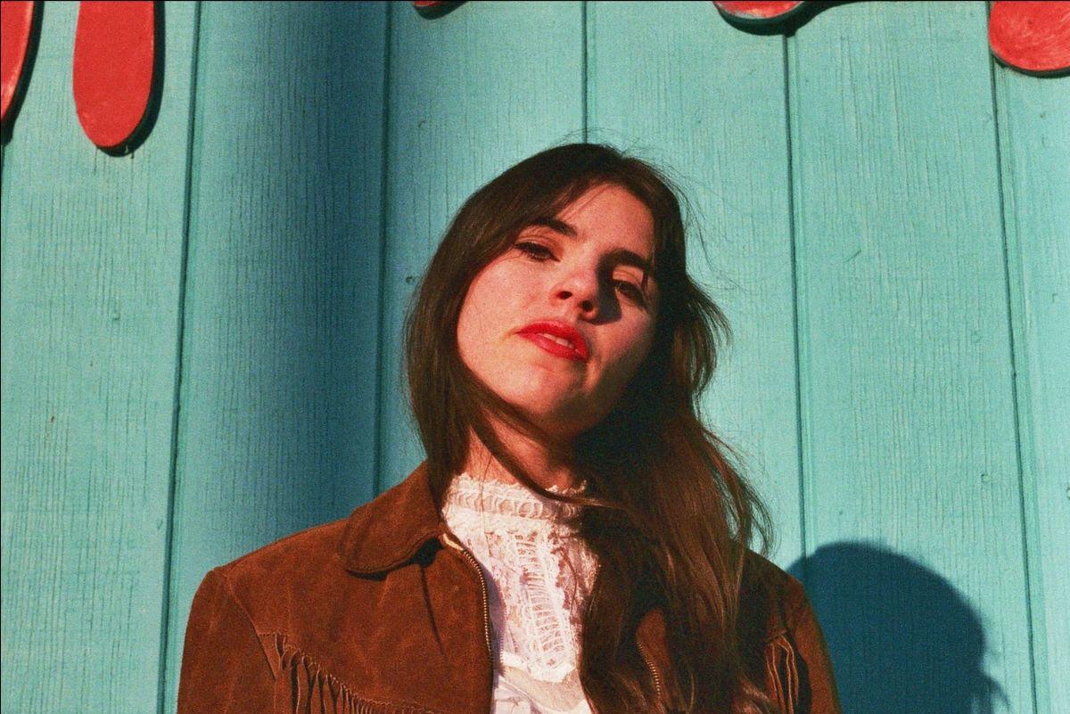 "Los Angeles-based Australian-American artist/songwriter, Hazel English, has released her latest single, ""California Dreamin'"""