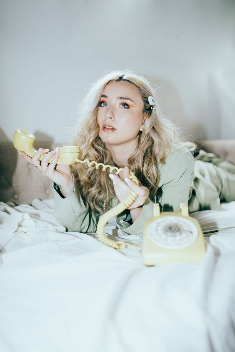 """Ashlynn Malia has dropped a new video for """"temporary."""" The 20 year old Artist just signed to the Orchard, with her EP coming out June 25th"""