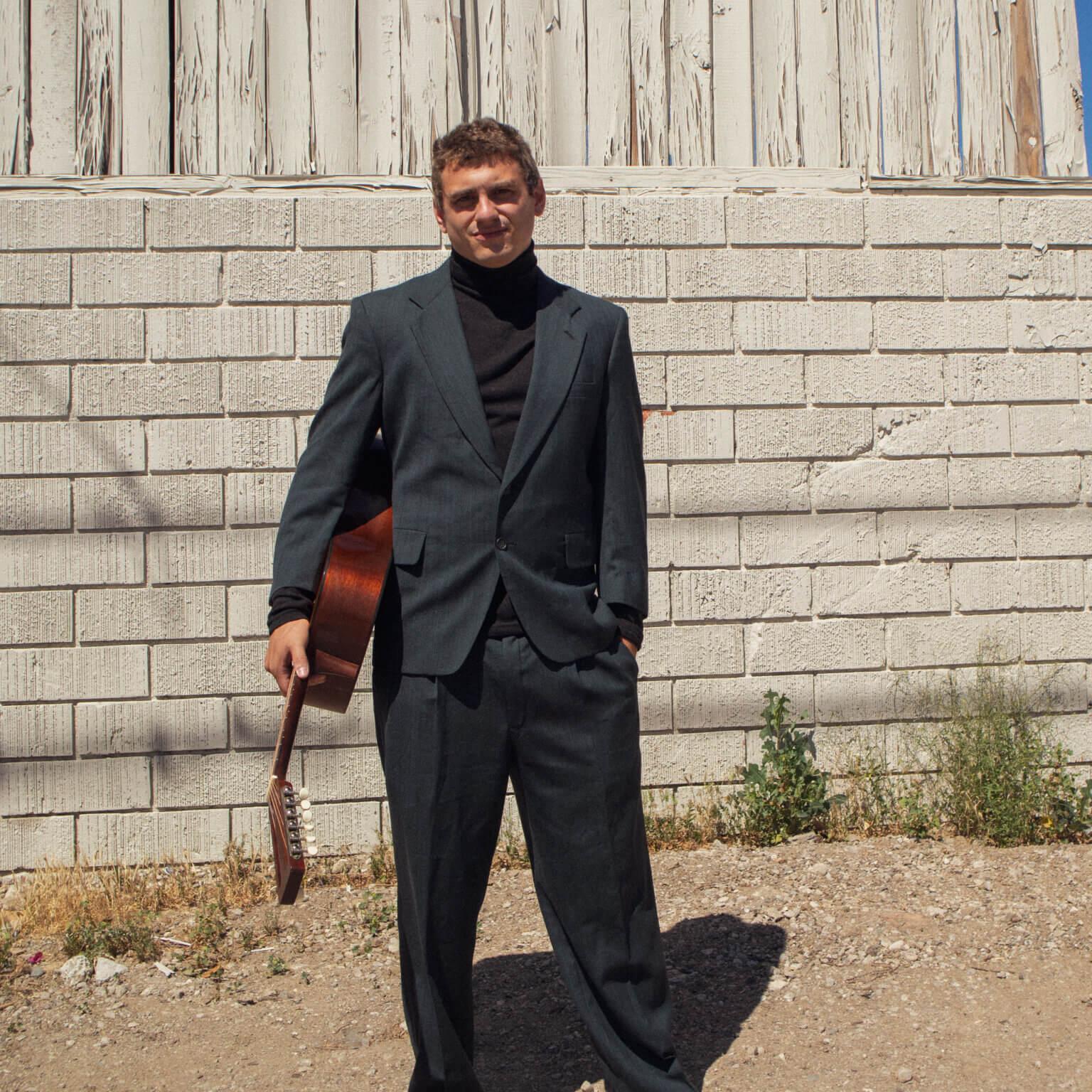 "Multi-artist Jordan Lewis shares his brand new single ""Desolation Shores"""