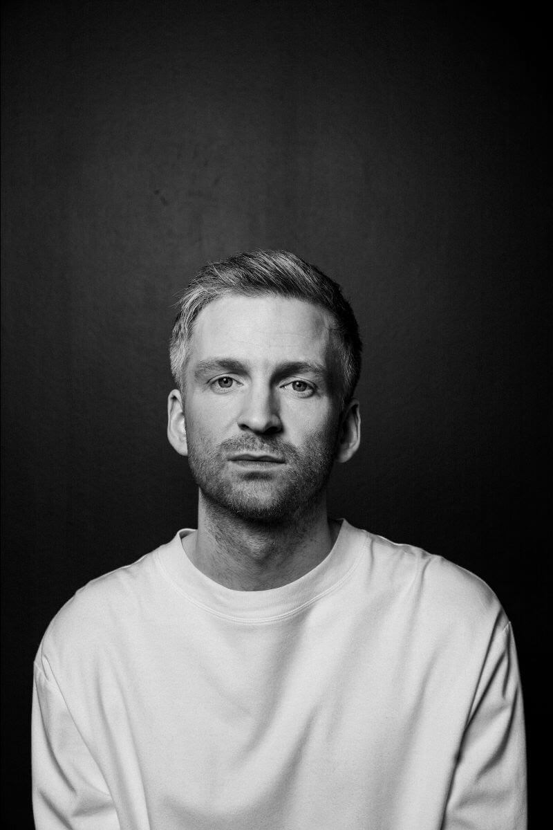 Ólafur Arnalds has today released his short film When We Are Born, which was directed by Vincent Mo