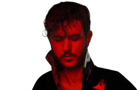 """""""Livestream"""" by Oscar and the Wolf is Northern Transmissions Video of the Day. The track is off his forthcoming release Shimmer"""