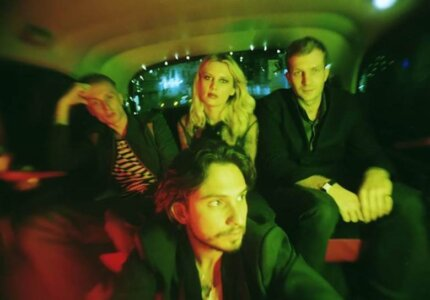 Wolf Alice announce Deluxe Edition of Blue Weekend, include covers of Alex G and more. Available October 29, via Dirty Hit/RCA Records