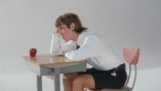 """Porches shares new video for """"Back3School"""""""